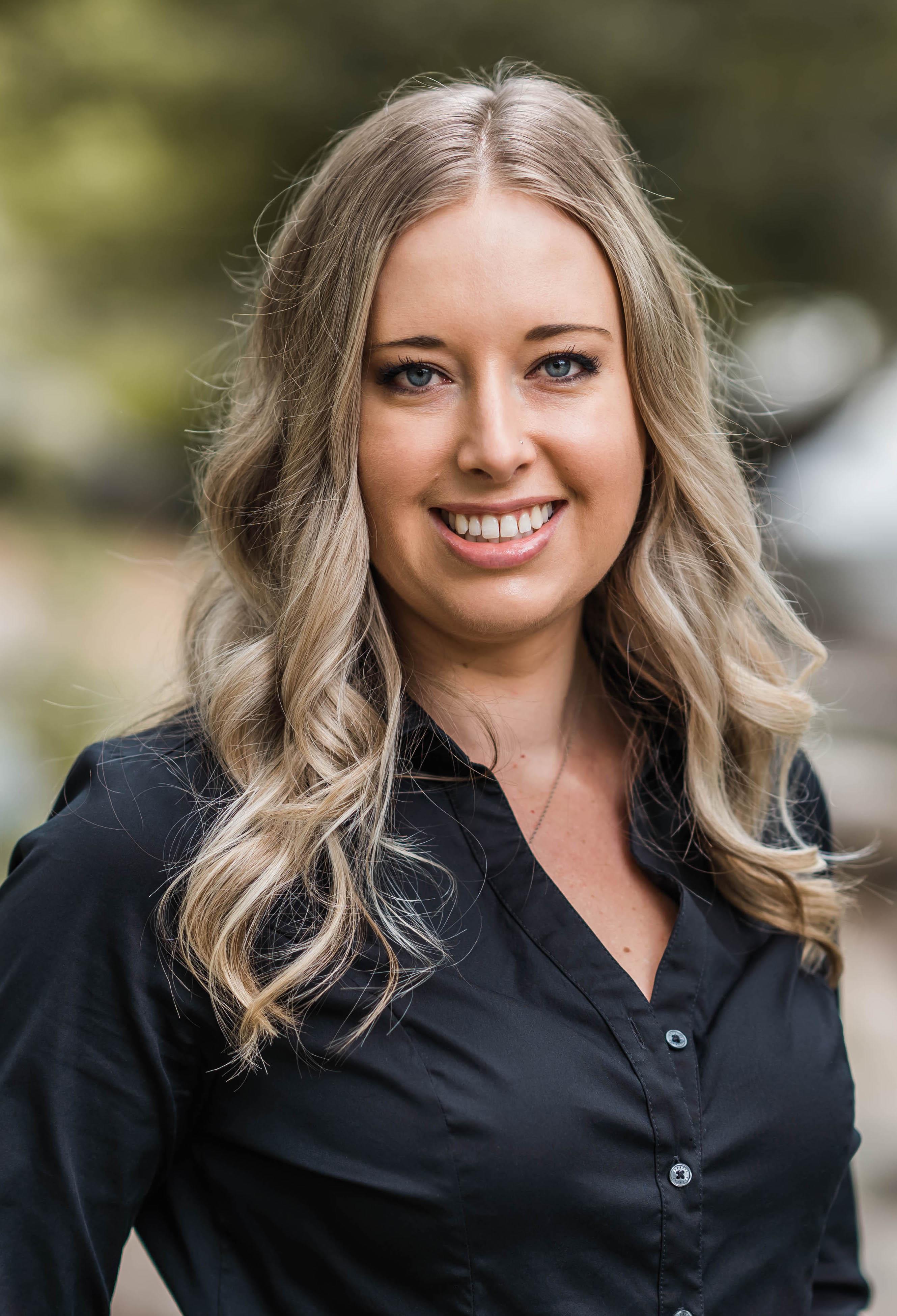 Jessica Winkler Headshot